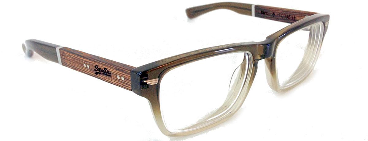 Milf braucht eine neue Brille